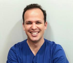 Dr. Israel Alonso Odontólogo especializado en (Articulación Temporomandibular). Diagnóstico y Tratamiento de bruxismo. El Dr. Israel estará presente a partir de septiembre en Dental Médica María Carmona Clínica Artes, en C/Artes Gráficas 18, Valencia