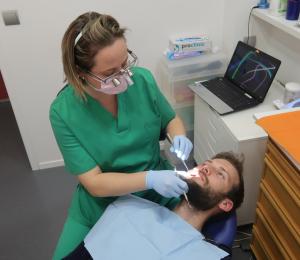 pilar herrero odontologa dental medica