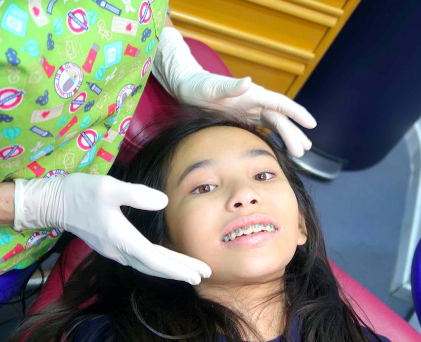 brackets niña dental medica